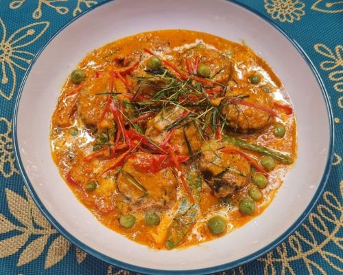 Panang Curry with Faux Fish