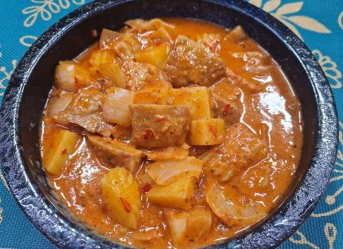 Massaman Curry with Faux Meat