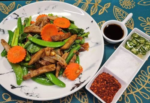 Pad See Ew with Faux Meat
