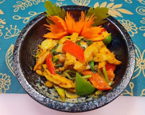 Yellow Curry Powder with Faux Meat