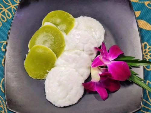 Coconut Milk Custard (Kanom Tuay)