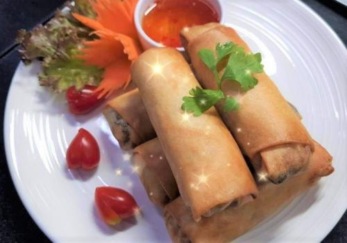 Fried Spring Rolls with Dip