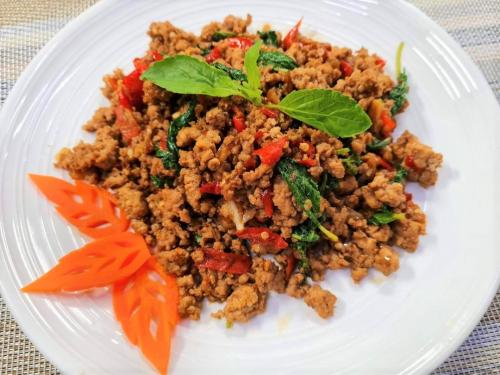 Minced Pork with Spicy Basil