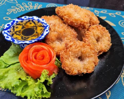 Shrimp Cakes with Plum Sauce