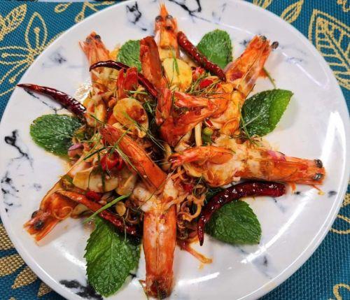 Shrimp with Lemongrass Salad (Pla Goong)