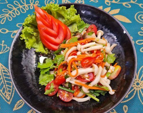 Spicy Mixed Mushroom Salad