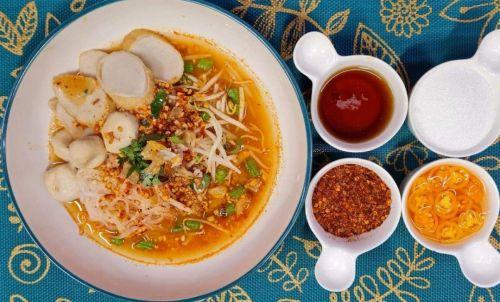 Tom Yum Noodles Soup (Kway Teow Tom Yum)